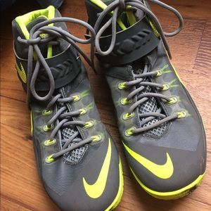 official photos bb884 55286 Nike Shoes - Lebron James Soldier 8 Model Aviation